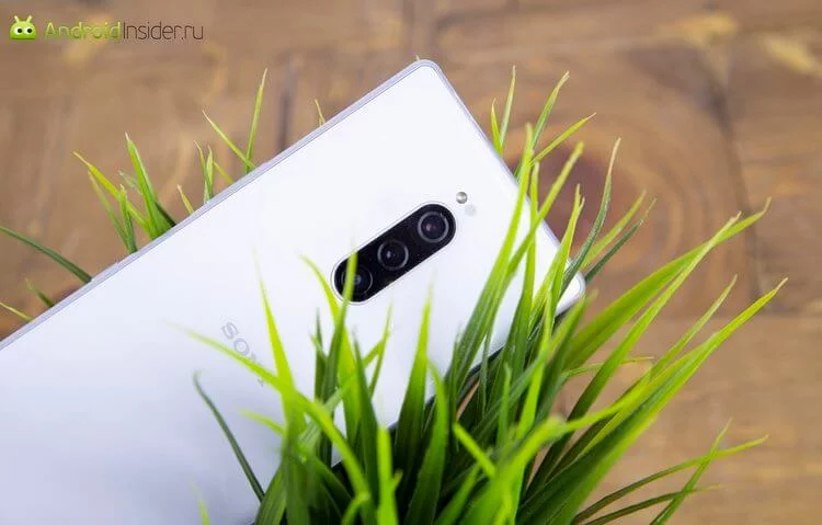 Sony Xperia 1 with a bulging camera