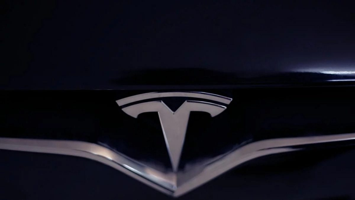 We won't be able to do this, - Japanese experts on Tesla's on-board computer