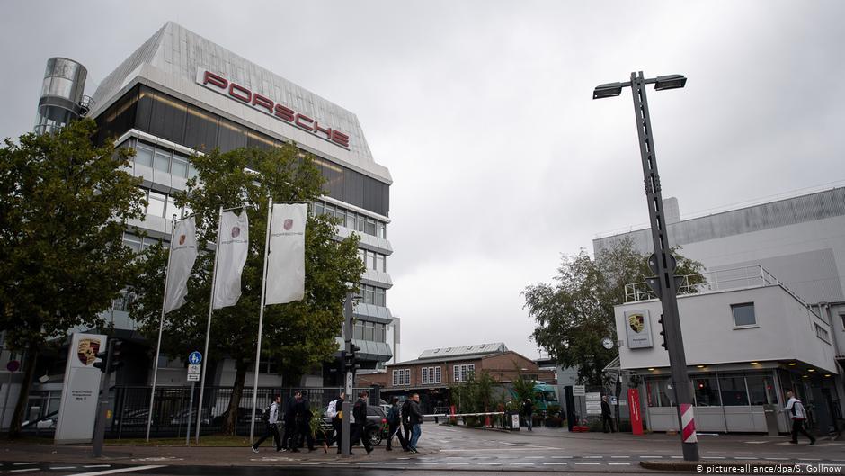 Workshops at the Porsche parent plant in Stuttgart-Zuffenhausen