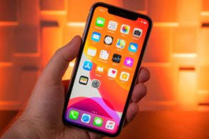 Experts told when it is better to buy a new iPhone