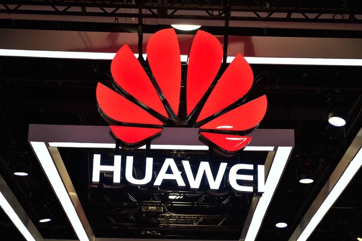 Huawei massively hacks smartphones