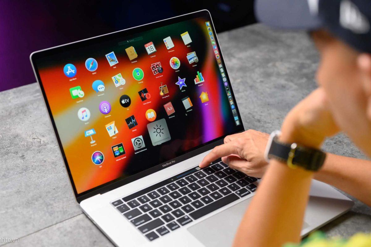 Apple started selling refurbished MacBook Pro 16. Save a little