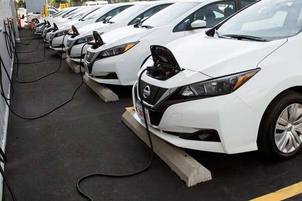 Is the crisis threatening? Electric cars predicted problems