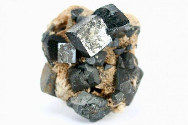 Perovskite crystals