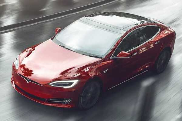 """You won't have time to blink"": Elon Musk announced a new generation of Tesla electric cars"