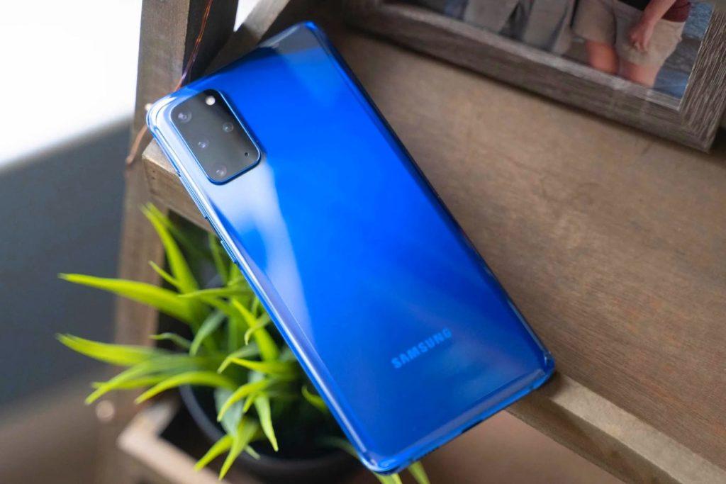 Rear Side of Samsung S20