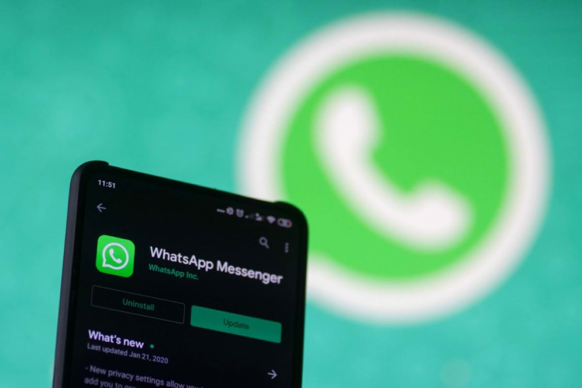 "Messages of all WhatsApp users ""accidentally"" posted on Google"